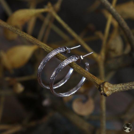 """Серебряные серьги-полукольца большие """"Омела"""" с фактурой веточки омелы"""