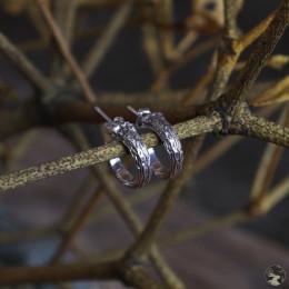 """Небольшие серебряные серьги-полукольца """"Ветви омелы"""" (широкие)"""