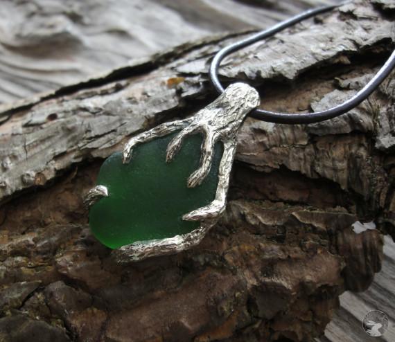 """Кулон """"Сосновый лес"""" из нейзильбера с морским стеклом"""