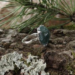 """Серебряное кольцо """"Кора"""" с моховым халцедоном"""